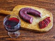Рецепта Домашен суджук от конско и свинско месо с праз лук